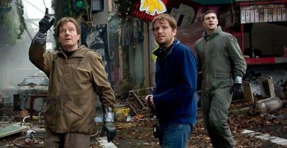 Gareth-Edwards-Bryan-Cranston-and-Aaron-Taylor-Johnson-on-Godzilla-set